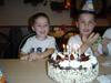 Ник и Вик с тортата