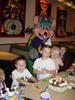 Ник, Вик и Дан с Chuck E. Cheese